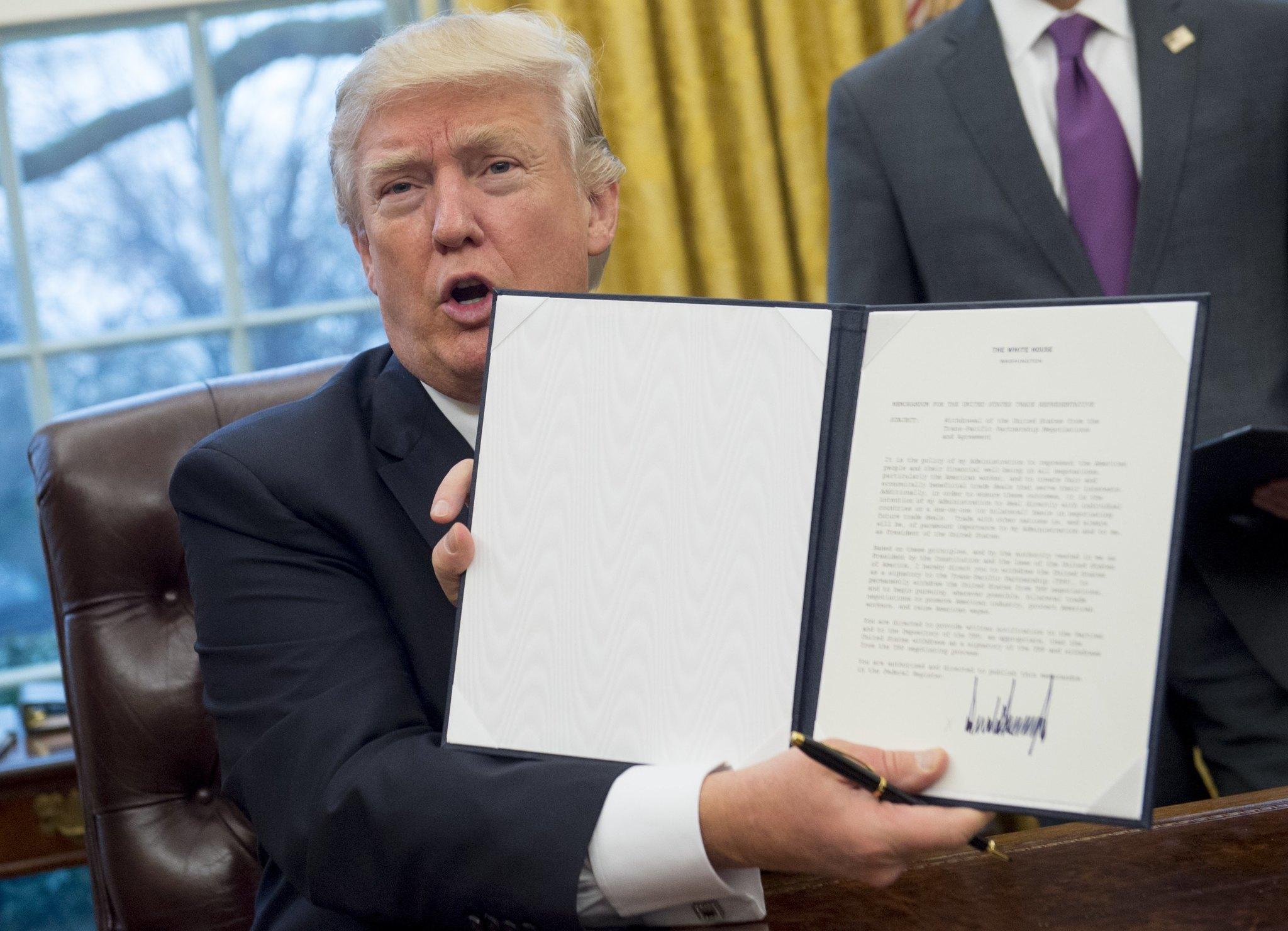 trump executive orders tpp nafta.jpg